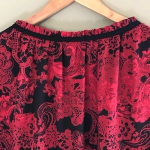 AGB Tops - AGB Sleeveless Red Black Paisley V Neck Plus Top